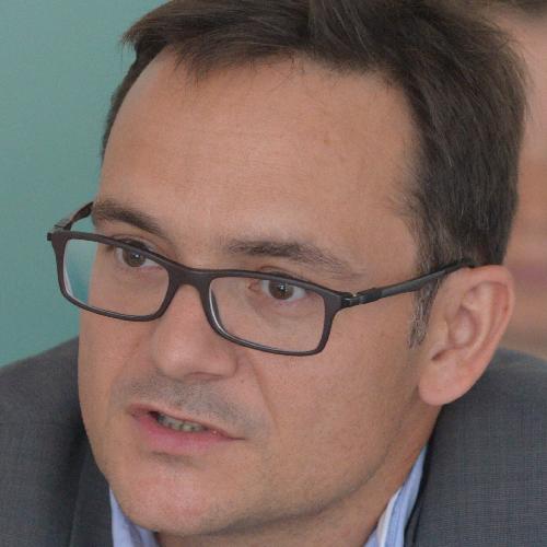 R. Thiebaut